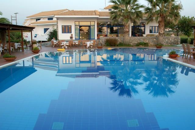 (Ελληνικά) OASIS HOTEL 3* Καλό Νερό Κυπαρισσία Καλοκαιρινές διακοπές, 3/5/7 διανυκτερεύσεις, από 123 ευρώ το άτομο, με ημιδιατροφή !