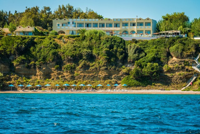(Ελληνικά) Niforeika Beach Hotel & Bungalows 3*,Νιφορέικα Αχαΐας, καλοκαιρινές διακοπές 5,7 διανυκτερεύσεις από 250 ευρώ το άτομο με πλήρη διατροφή!